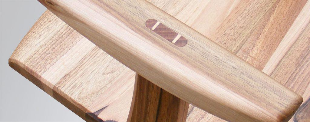 Karfás fa szék